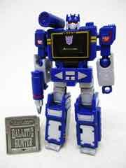 Hasbro Transformers Generations War for Cybertron Kingdom Core Soundwave Action Figure